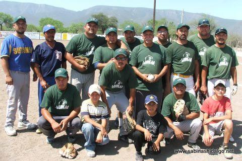 Equipo Águilas en el softbol del Club Sertoma