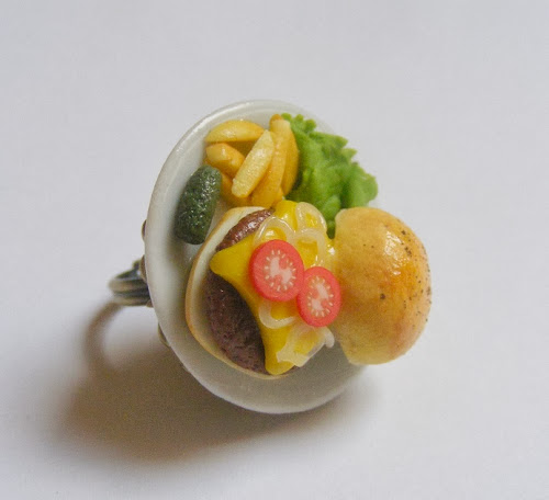 Cheeseburger and Fries Ring by Neat Eats