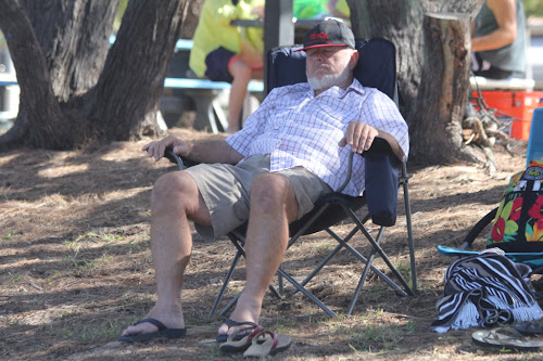 Pop relaxing Woodgate Style
