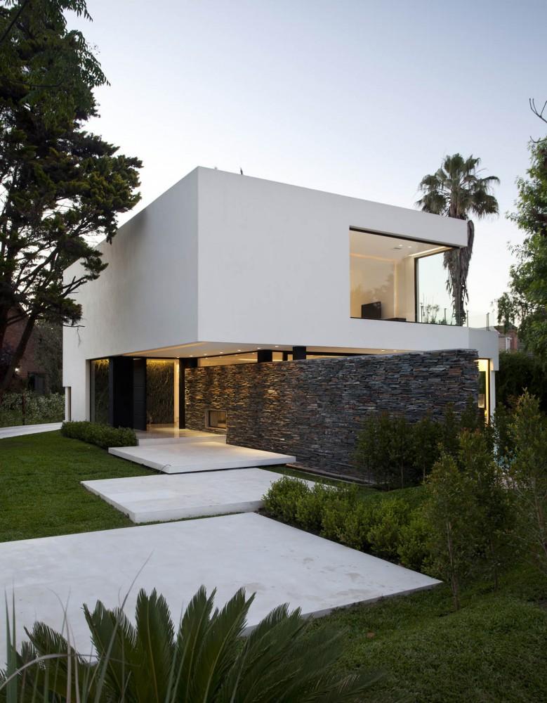 Studio karin snygg stenl ggning utomhus for Casas prefabricadas minimalistas