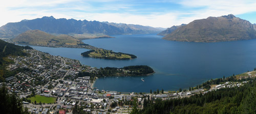 Lake Wakatipu seen from the top of the Queenstown gondola (Photo by Avenue)