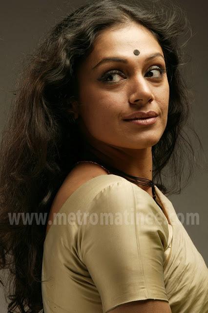 malayalam actress shobhana hot photos