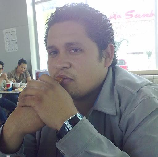 Moises Sandoval Photo 8