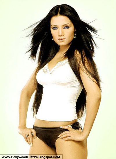 Celina Jaitley Bold Pictures  Bollywood Glitz 24 - Hot -7616