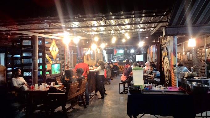 "Food Review: Cafe Hipster Ipoh ""8th Miles/BurgerBanjir"""