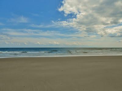 Atlantic Ocean in Two Different Colors