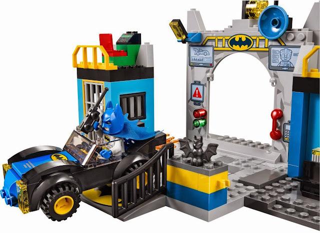 Bộ xếp hình Lego Juniors 10672 Batman Defend the Batcave - Bảo vệ hang dơi được làm từ chất liệu nhựa ABS có độ bền cao