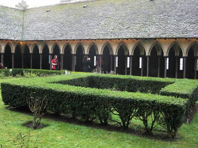 モンサンミッシェル中庭