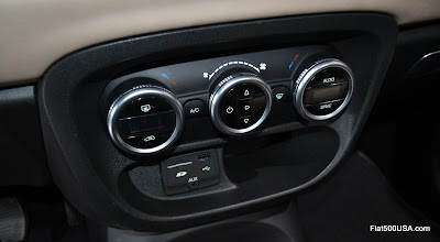 Fiat 500L media hub