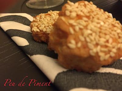 Biscotti al parmigiano e sesamo