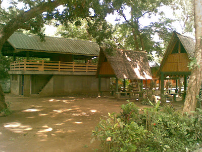 Huts in Bato Springs