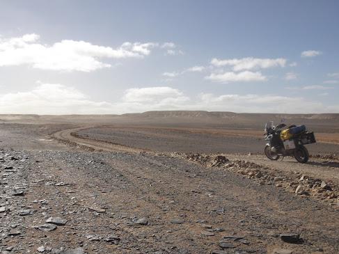 Marrocos e Mauritãnia a Queimar Pneu e Gasolina - Página 9 DSCF1064