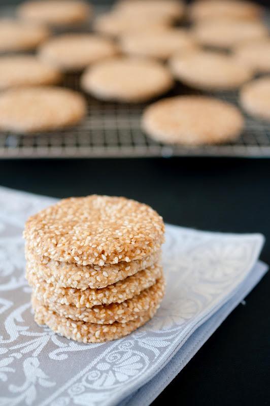 sesame seed cookies, Moroccan
