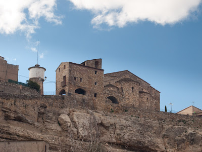 L'església de Llimiana, dalt d'un turó