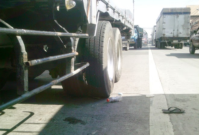 Truck hits ma, baby in Bacolod City