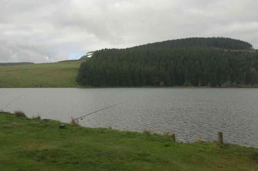 Le lac de Servières et ses pêcheurs