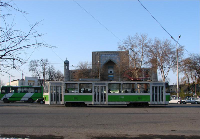 2711. Улица Навои
