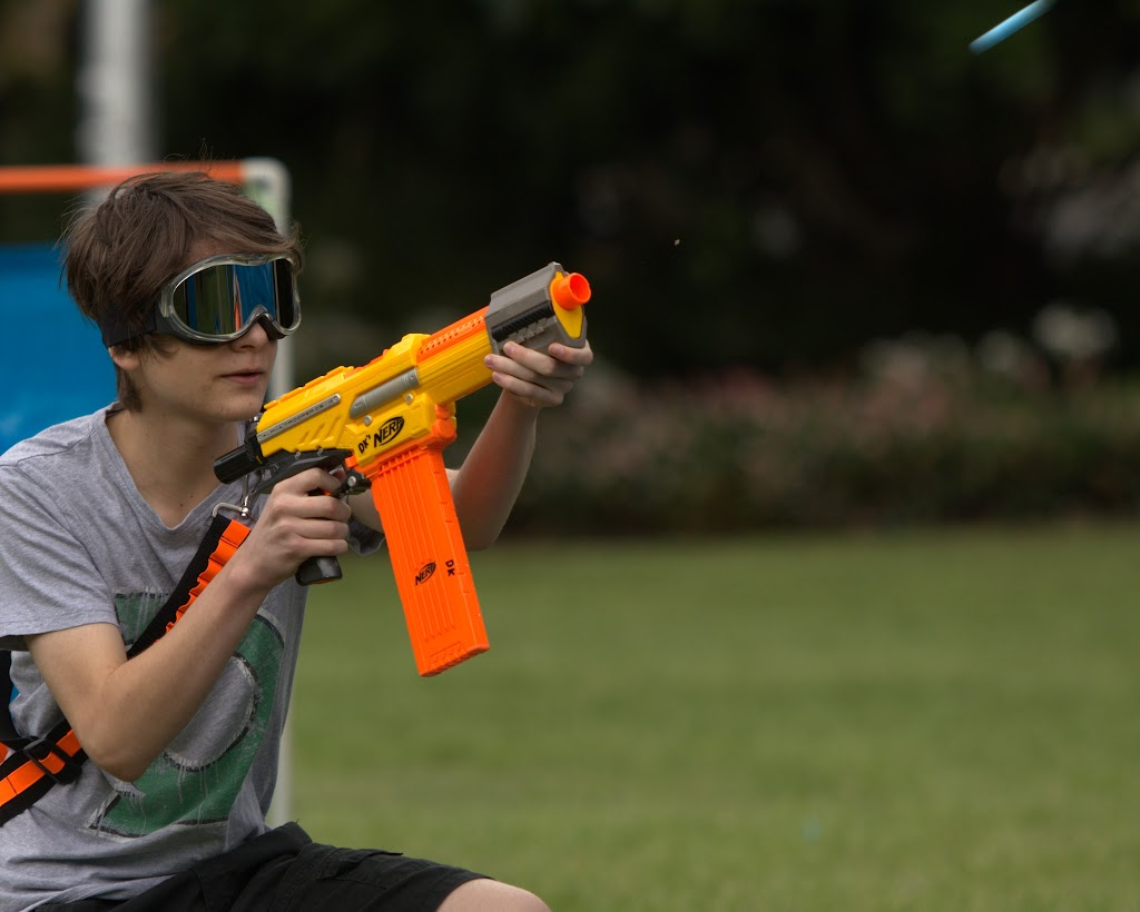 Kelvin Grove war pictures: December 18th   Picture heavy... Nerf%2Bwar%2B058
