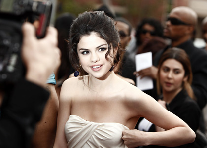 selena gomez hot images. selena gomez hot wallpapers