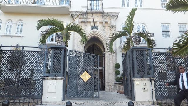 Mansion Versace, Ocean Drive, Miami Beach, SoBe, Florida, Elisa N, Blog de Viajes, Lifestyle, Travel