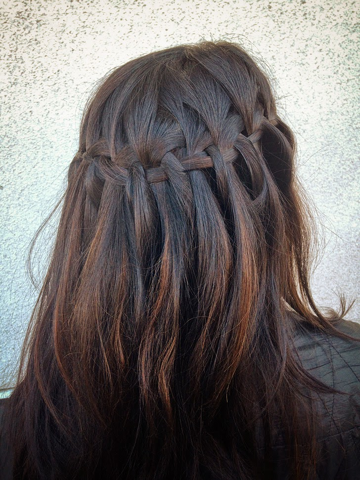 Waterfall Braid Tutorial // Quick and Easy Hairstyles for Traveling.
