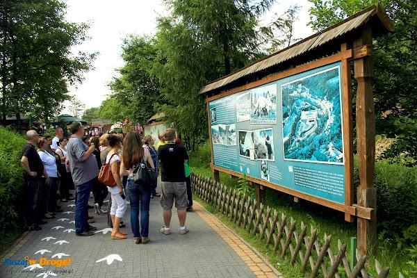 bałtów jura park  - na ścieżce z przewodnikiem