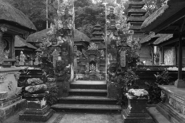 Egyike a Balin található közel 100 ezer templomnak/szentélynek
