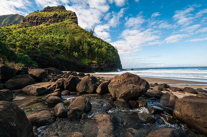 Kalalau Trail (25 Best Hikes in the World).