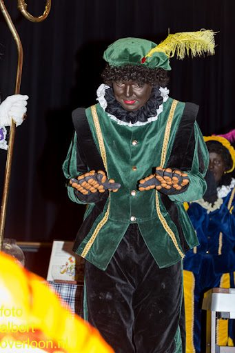 Intocht Sinterklaas overloon 16-11-2014 (81).jpg