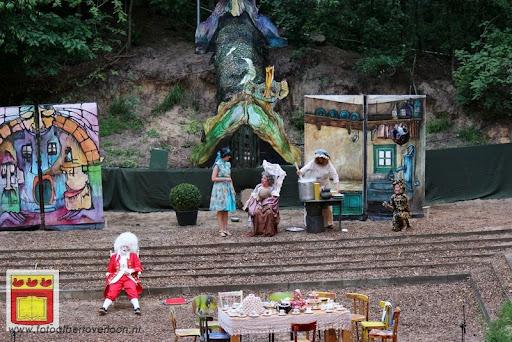 Alice in Wonderland, door Het Overloons Toneel 02-06-2012 (41).JPG