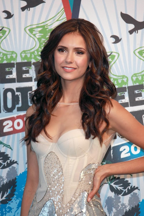 Nina Dobrev part 15:big girl,picasa