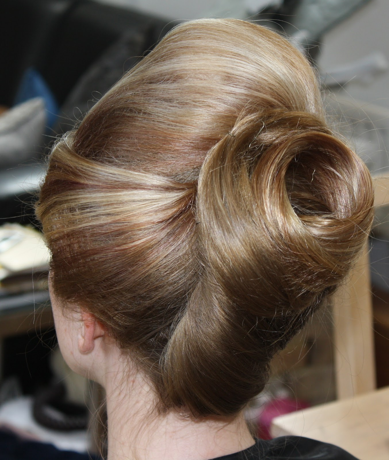 how to make a half beehive hairstyle