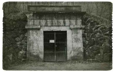 Foto 4: Der Detmolder Felsenkeller im Büchenberg. Quelle: Heimatland Lippe
