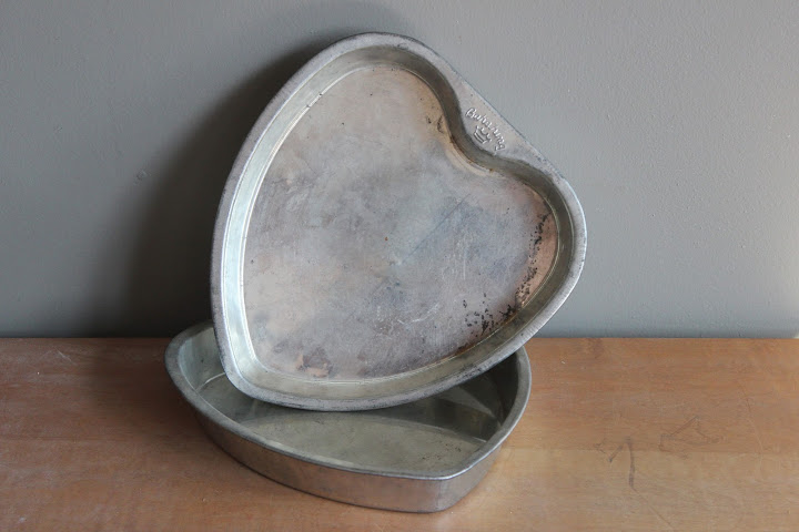 Heart pans available for rent from www.momentarilyyours.com, $4.00 each.