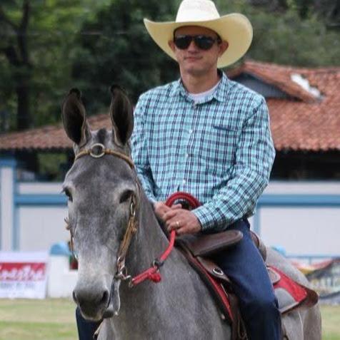 Douglas Bernardo