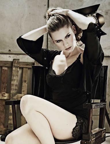 Manuela Vellés, sexy