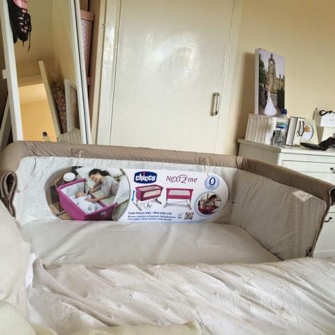 chicco next to me bedside crib knottbumpandus. Black Bedroom Furniture Sets. Home Design Ideas