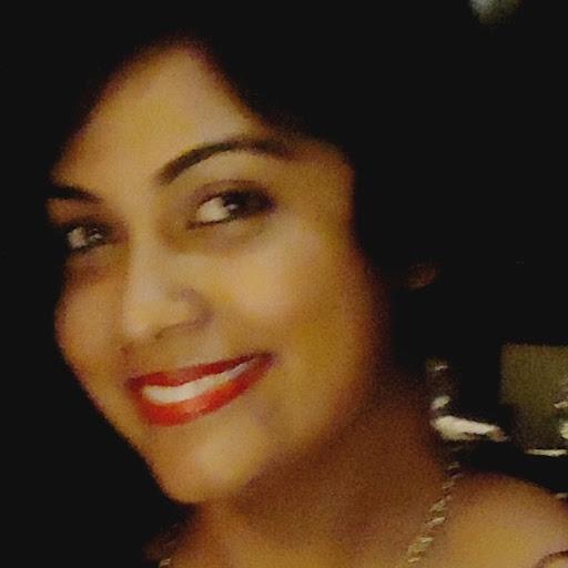 Alana Khan Photo 8