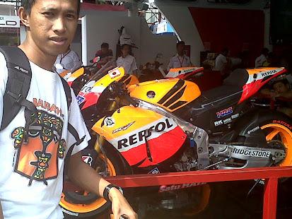 Stand Honda Motor