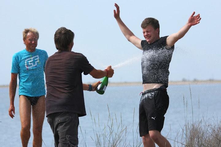 Игорь шампанское