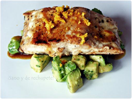 Salm25C325B3nalanaranjaconaguacate252842529 - Filete de pescado con costra de coco