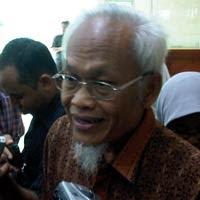 FOTO PENDIRI PKS YUSUF SUPENDI DIANCAM DIBUNUH TERBARU 2011