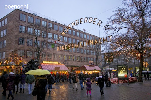 ニュルンベルク・クリスマスマーケットの入り口