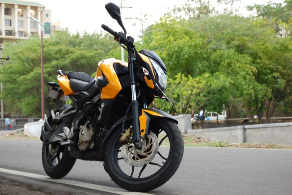 Ride Review: Pulsar 200NS - Return of the King  !! | Bike