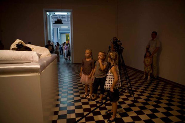 Sleeping Beauties Awakens in Ukraine's Museum