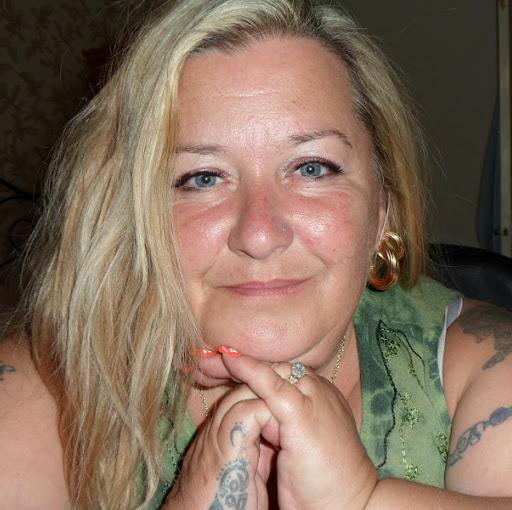 Julie Lane Photo 34