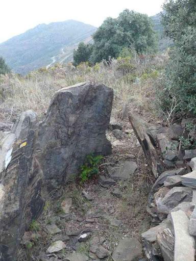 Encore un dolmen