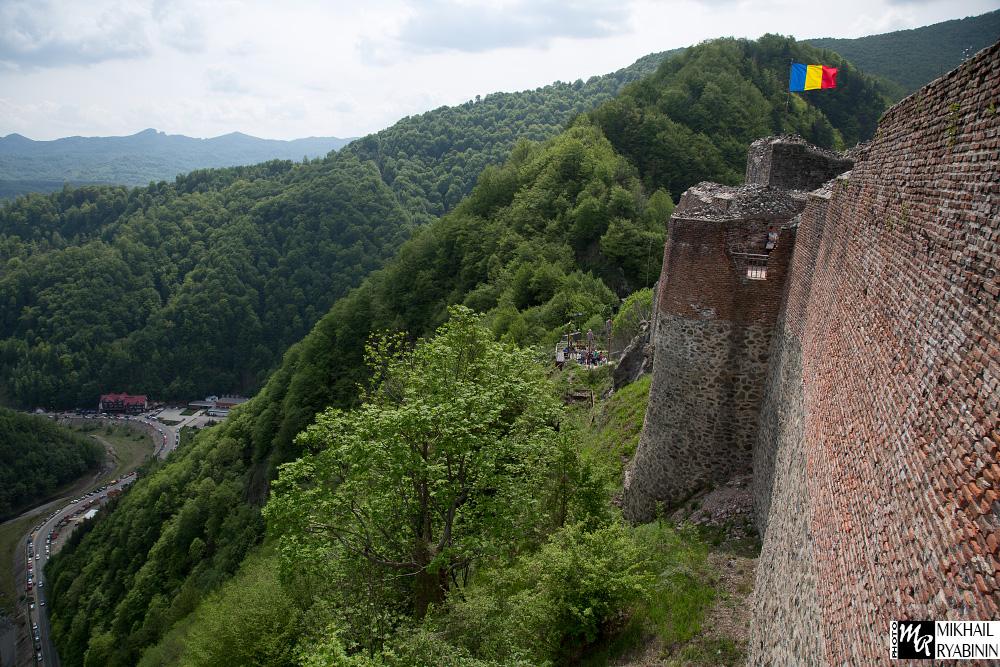 Настоящий замок Дракулы. Вид на замок.