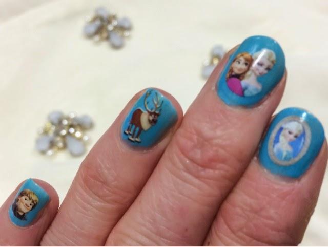 elsa-from-frozen-manicure