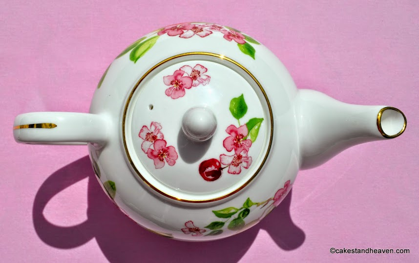 Fine Bone China Eden Aynsley Teapot